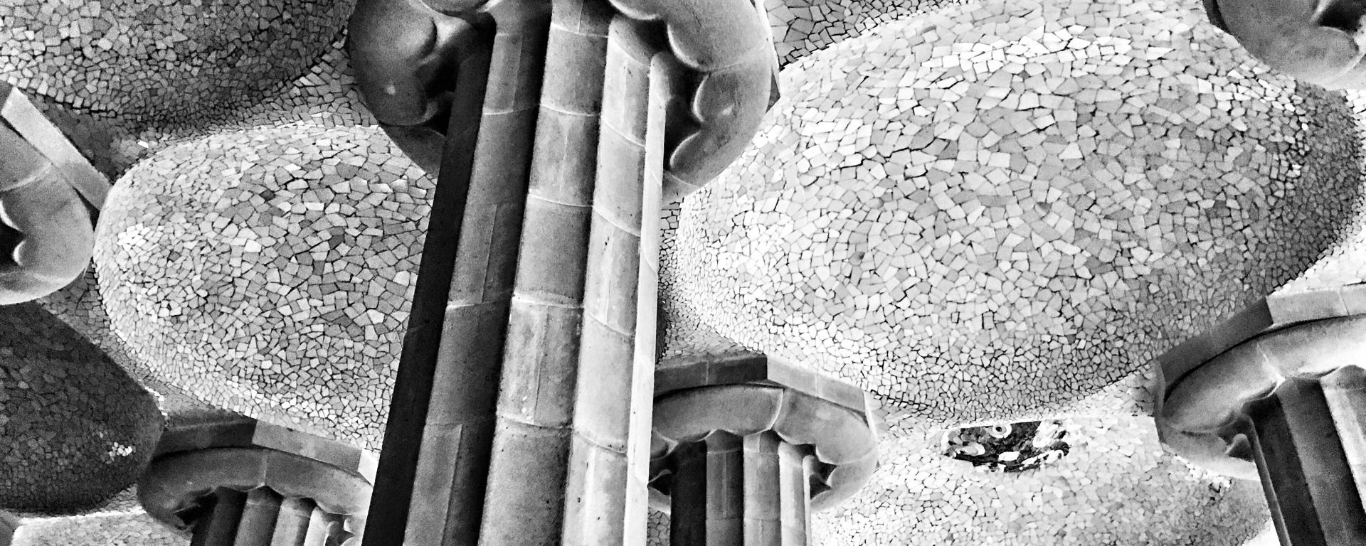 PARK GÜELL: Textured Ceiling Barcelona