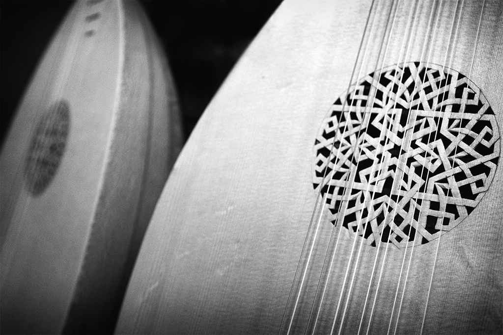 lutes, music, monochrome