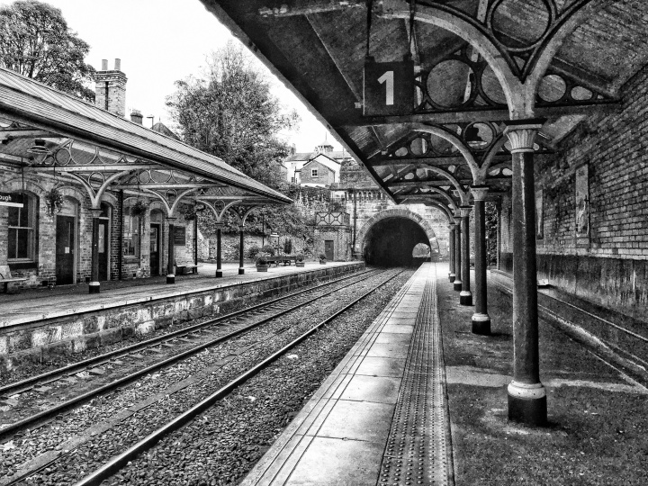 Vanishing point at Knaresborough station
