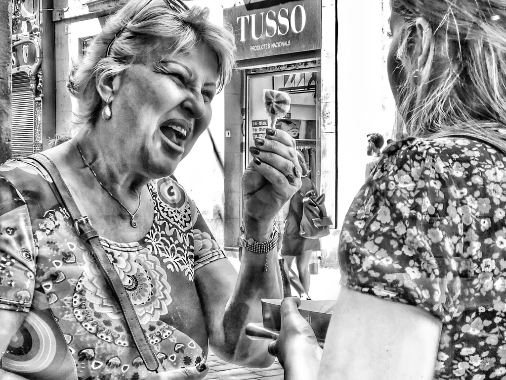 iPhoneography Expressions monochrome street